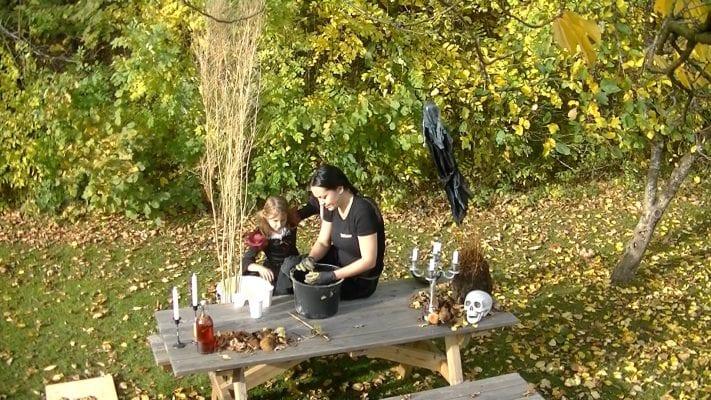 Halloween pyssel med barn